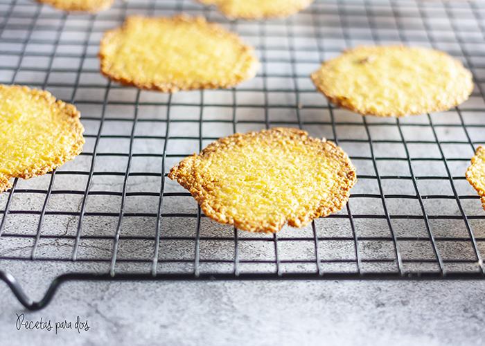 Crackers de aguacate y queso